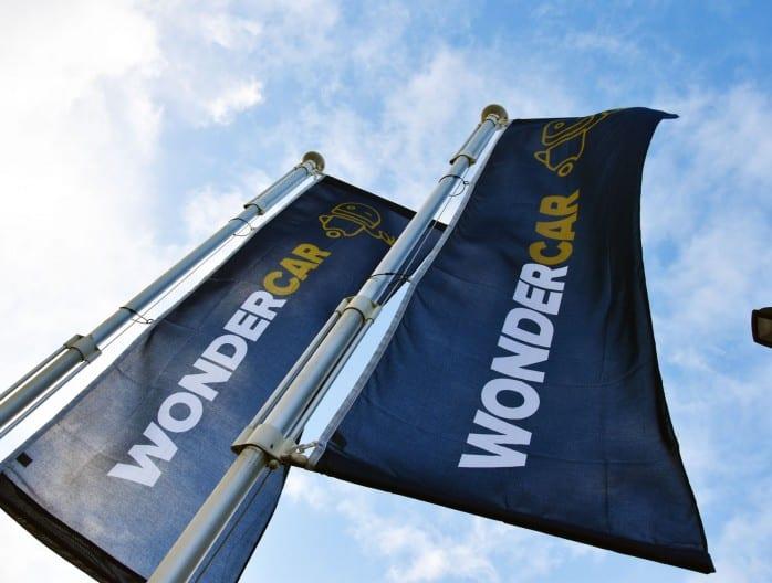 Vlaggen om de carrosserie Wondercar aan te duiden